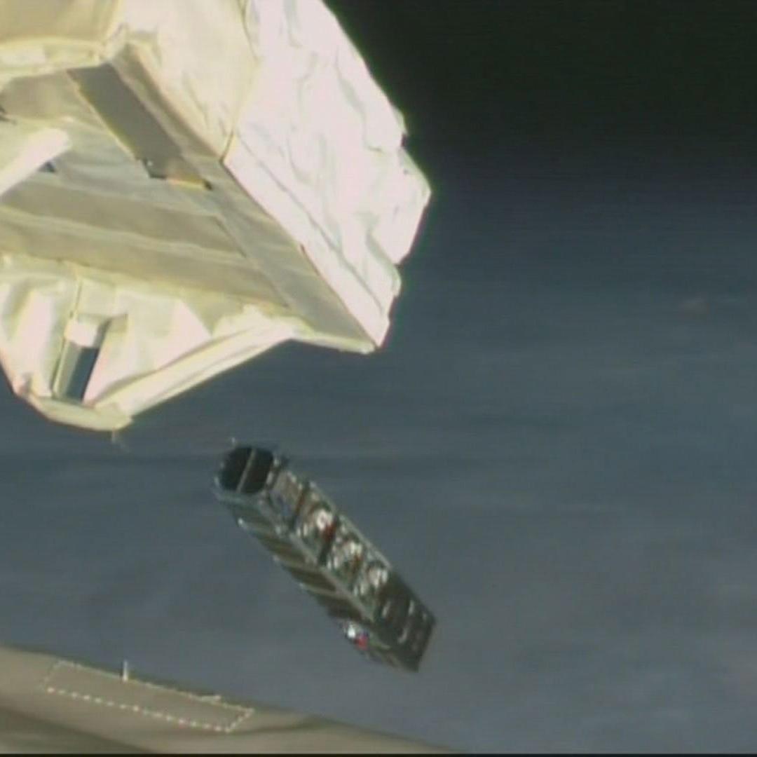「きぼう」から超小型衛星8機放出に成功!